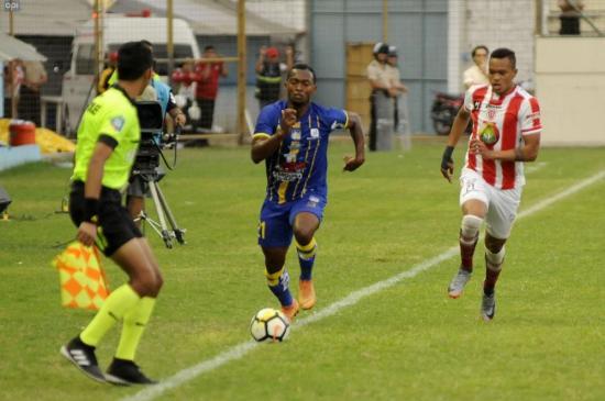 Delfín y Técnico Universitario empatan 1-1 en el estadio Jocay