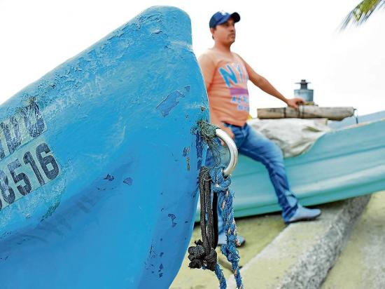 Manta: Tres pescadores naufragaron y fueron abandonados