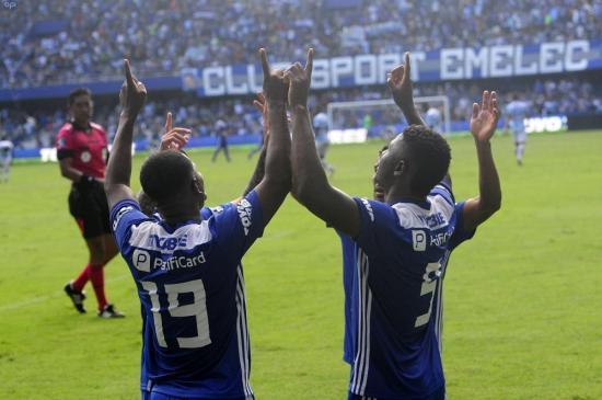 Emelec vence por 3 goles a 0 a Guayaquil City en el estadio Capwell