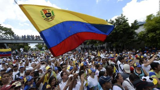 Cada 26 días ''se duplican precios'' en Venezuela, según Asamblea del país