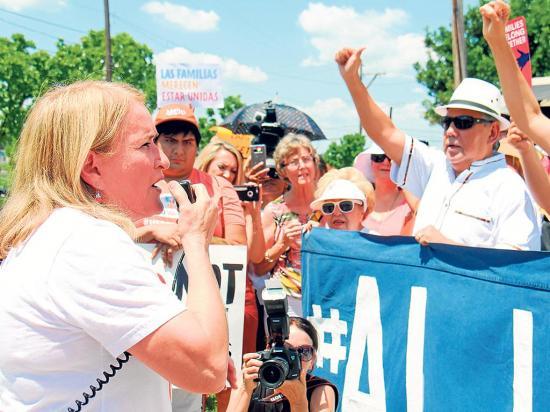 Familias piden ayuda al público
