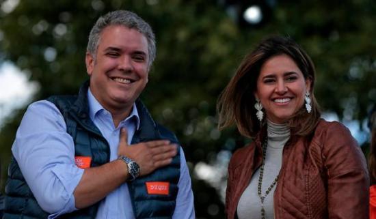 Duque y su esposa vestirán trajes de diseñadores colombianos en investidura