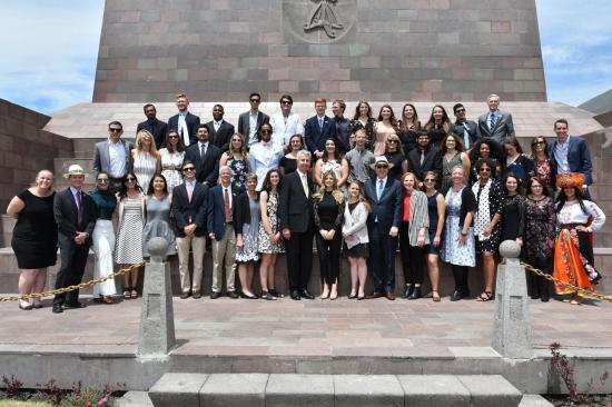 Juran cuarenta voluntarios del Cuerpo de Paz en Quito