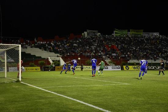 Liga de Portoviejo empata frente a Emelec en un amistoso por inauguración de luminarias [1-1]