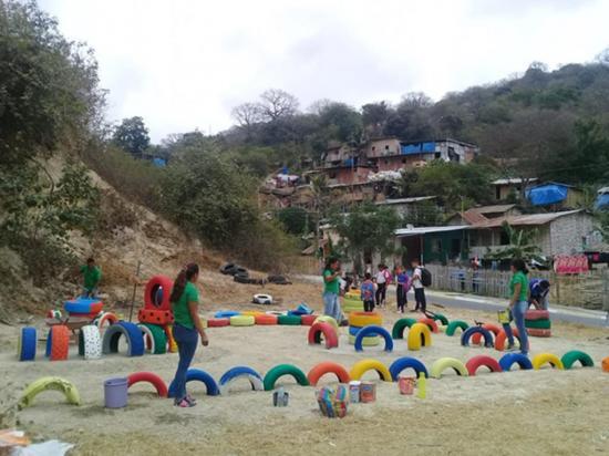 Carrera de Trabajo Social  implementa área de recreación infantil