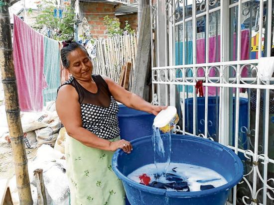 Portoviejo: Desde hoy darán el agua en tanqueros