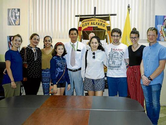 Universitarios españoles comparten sus conocimientos