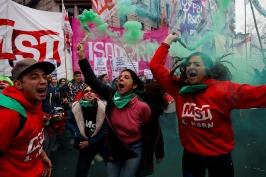 El rechazo a legalizar el aborto gana terreno entre los senadores argentinos