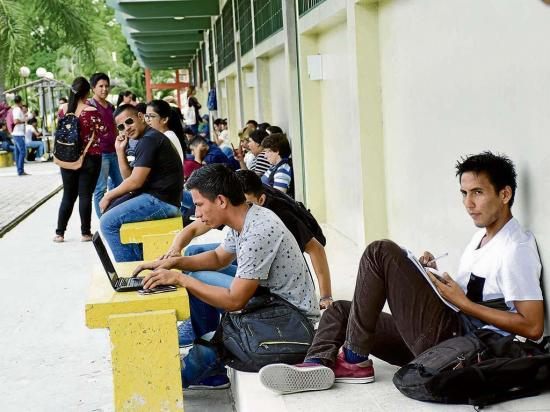 Diez mil bachilleres tras cupo para la universidad