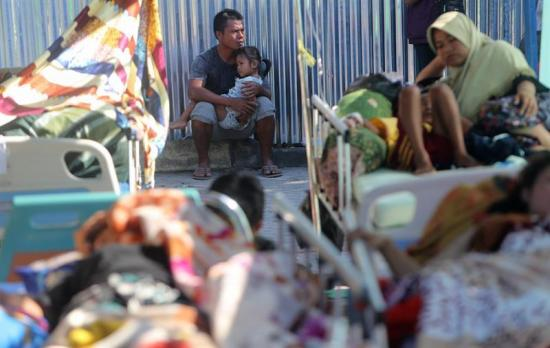 Nuevas escenas de pánico en Indonesia por otro fuerte sismo