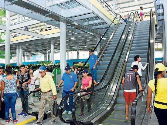 La ciudadanía podrá viajar gratis a Calderón para hacer sus compras
