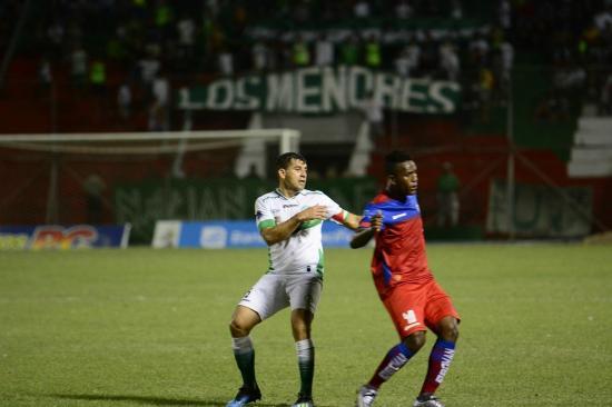 Liga de Portoviejo obtuvo un triunfo agónico de local ante el Olmedo [3-1]