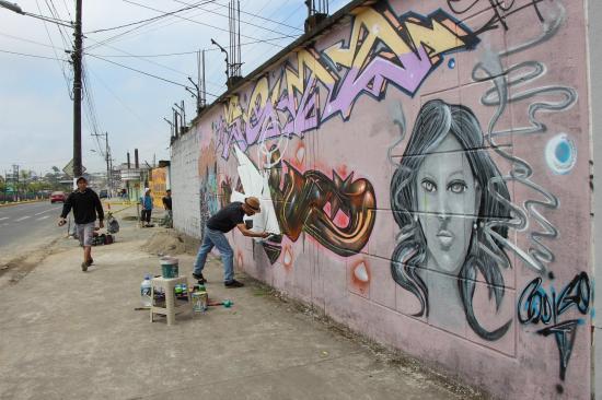 Plasman su arte  en las paredes