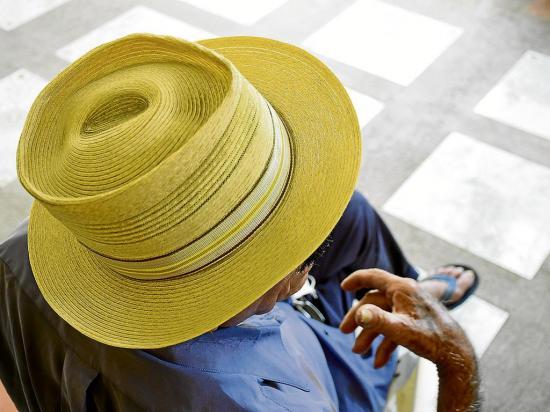 Tiene 91 años, dos novias y no usa 'pastillitas'