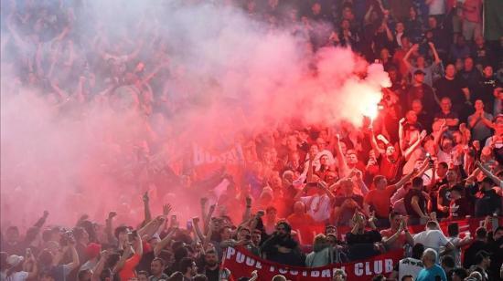 Uso de bengalas en estadios marroquíes será penalizado con 2 a 5 años de cárcel