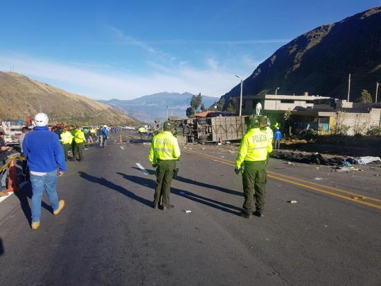 Presidente Lenín Moreno destituye a directivos de tránsito por fatal accidente