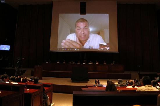 Correa dice que ordenó entregar informe de muerte de general a instituciones