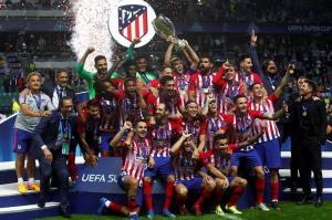 El Atlético de Madrid festeja la Supercopa de Europa en una cena