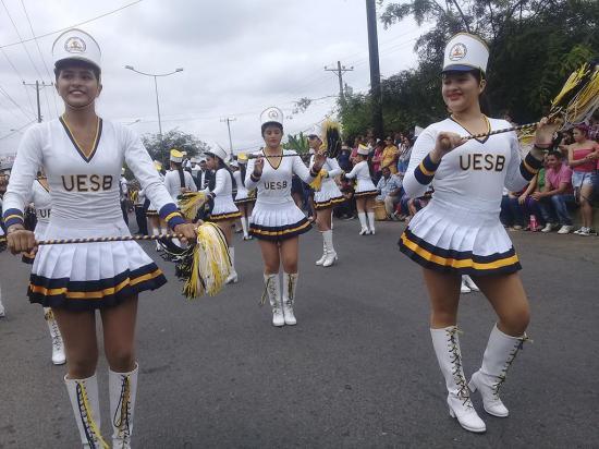 Celebraron con desfile