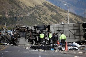 Al menos media tonelada de droga llevaba el bus accidentado en la vía Pifo - Papallacta