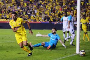 Barcelona gana 2-0 a la U Católica