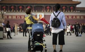 Polémica en China por propuesta de multar a parejas que tengan pocos hijos