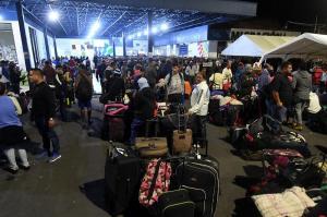 Venezolanos varados en frontera piden una ''ruta humanitaria'' hacia Perú