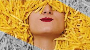 ¿Te gustaría ganar dinero comiendo papas fritas?