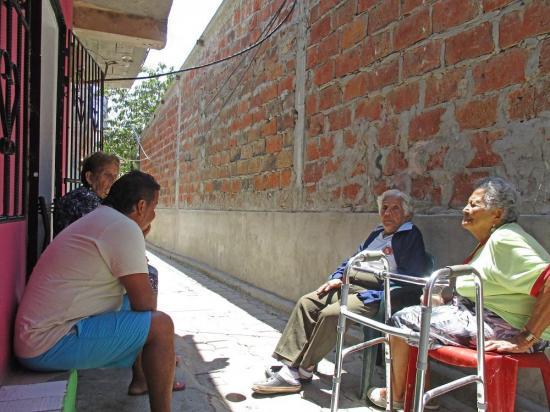 Manta: El callejón Virgen de Guadalupe sigue esperando el alumbrado público