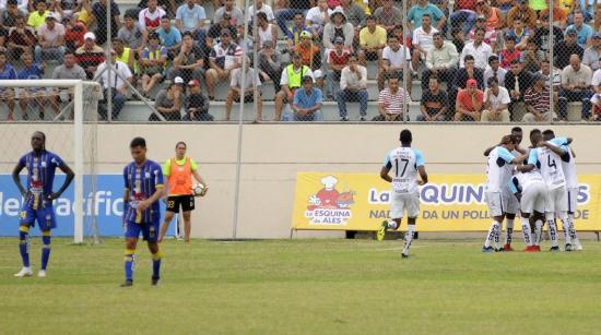 Delfín pierde su invicto y cae 2-1 frente a Universidad Católica