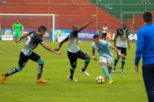 Emelec y Macará empatan en estadio Bellavista de Ambato [1-1]