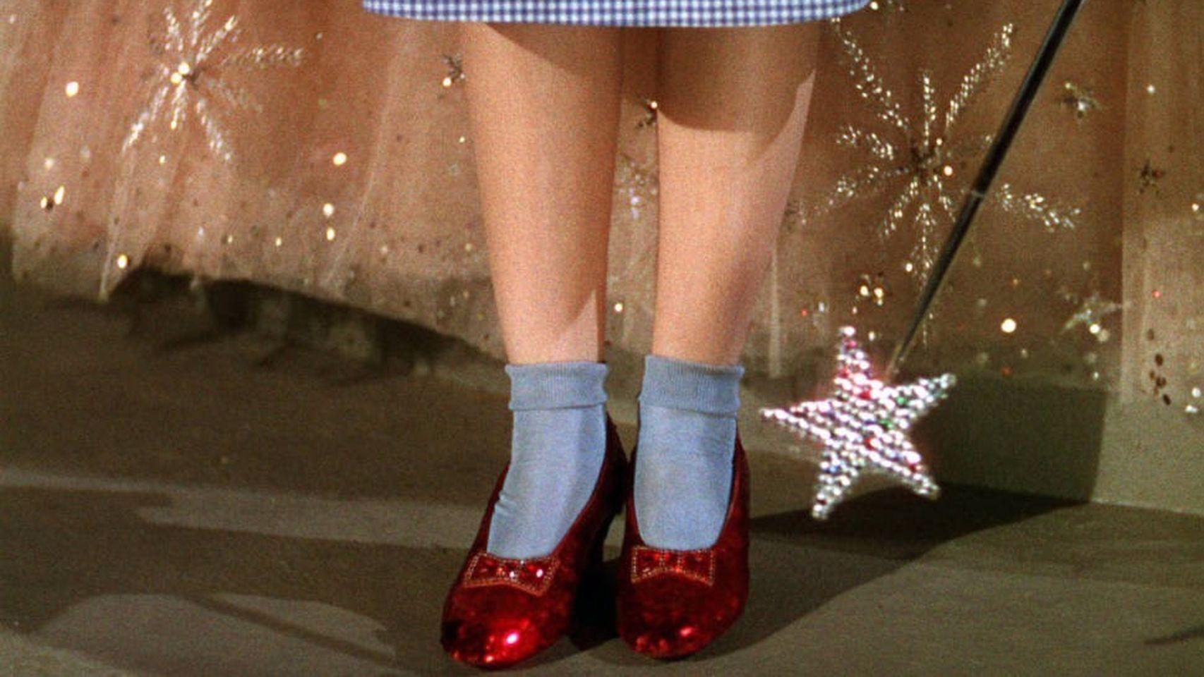 Los zapatos robados de Dorothy del ''Mago de Oz'' aparecen 13 años después