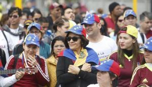 Grupo de venezolanos en Perú busca volver a su país dentro de plan de Maduro