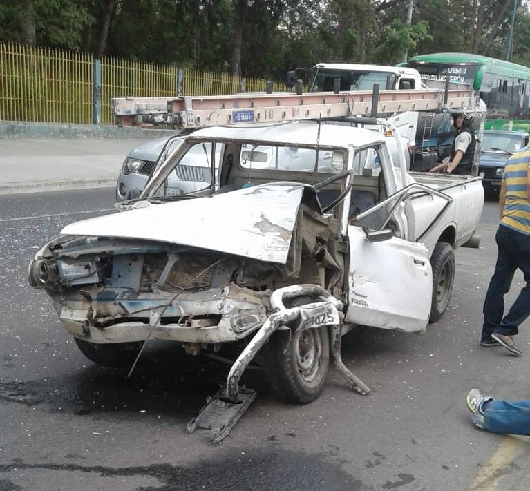 Un herido en choque entre dos camionetas en la vía Portoviejo-Crucita