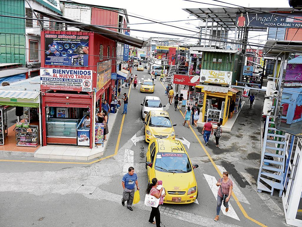 La zona de contenedores del Nuevo Tarqui quieren convertirlo en un centro comercial