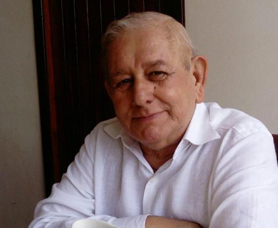 Fallece el reconocido periodista manabita Alberto Espinel