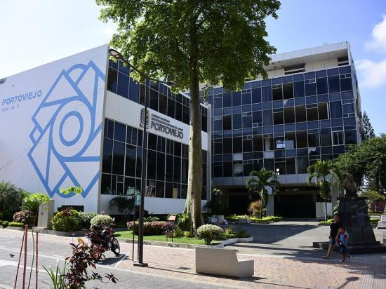 Asambleísta pide al  CJ información sobre  el palacio de justicia