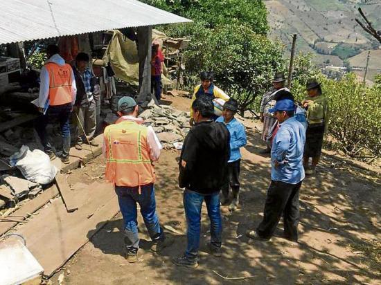 Temblor afectó a 220 viviendas