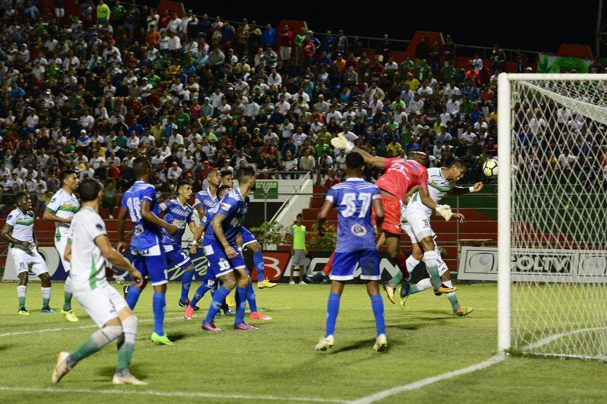 Liga de Portoviejo logra una importante victoria en casa y sigue en la pelea por ascender [1-0]
