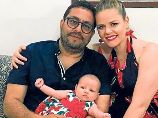 Claudia Schiess se casa con el padre de su hija, el 'Che' Vera