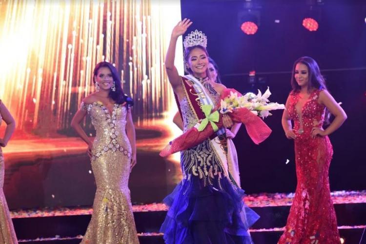 Dayana Párraga se llevó la corona de Reina de Portoviejo 2018