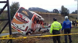 Cinco muertos y 23 heridos en un accidente de bus en la provincia de Chimborazo