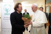 El papa y el cantante Bono hablaron de pederastia en privado en el Vaticano