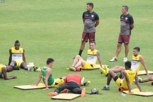 El Barcelona quiere aprovechar caída de Liga para alcanzar a Emelec y Macará