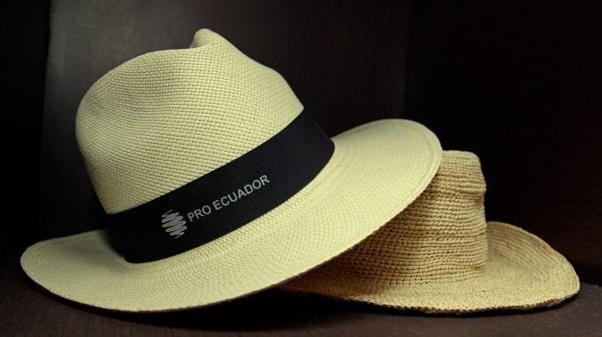 Ecuador promociona en China sus sombreros de paja con un glamuroso desfile e814b7606c5