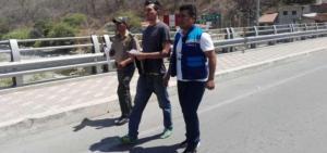 Venezolano es expulsado de Perú por insultar al país y destruir permiso de permanencia