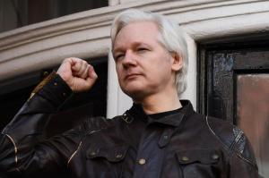 Diplomáticos rusos trazaron un plan para sacar a Assange del Reino Unido