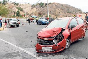 Choque entre cinco carros