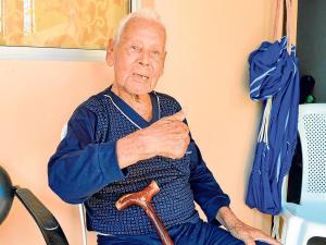 El centenario  'apagafuegos' que tiene sus recuerdos intactos