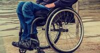 Un paciente con parálisis logra caminar gracias a la estimulación electrónica